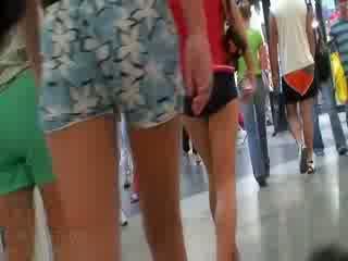 The nadržané video featuring the celý spoločnosť na amatérske dolls wearing the sexy pants