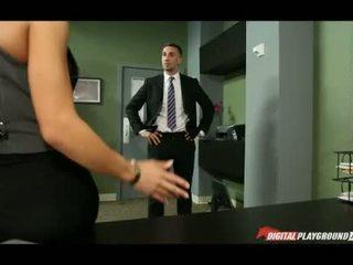 Величезний титьки madison ivy banged в офіс