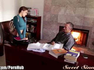 Sweetsinner sara luvv mesum for step-dad