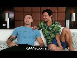 Gayroom - tw-nks gauti laimingas apie nusirengti ir šūdas