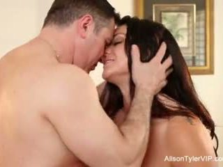 Alison tyler gets مارس الجنس شاق