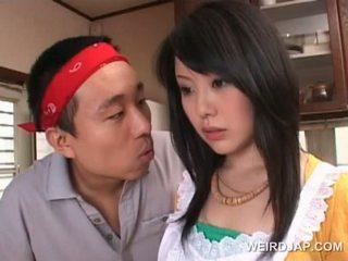 Warga asia housekeeper gets seksi assets teased oleh miang/gatal guy