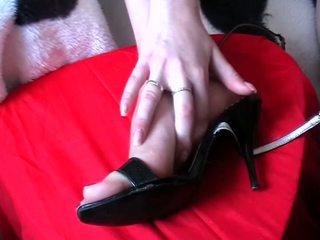 Lábszex elélvezés cipők videó