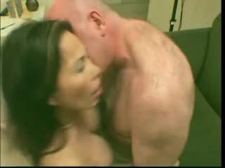 Sexy mature salope asiatique lai loves elle en profond