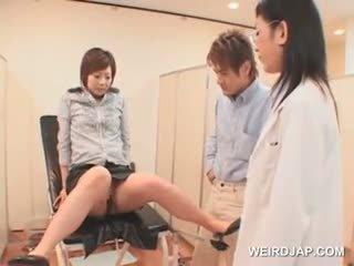 Japoniškas mergaitė gets pilnas putė patikrinti į the gynecologist