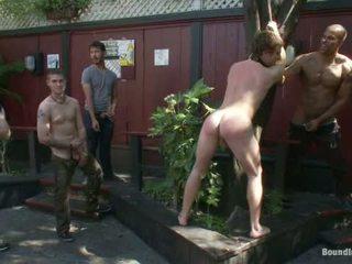 Sebastian keys gets viņa pakaļa stretched un pissed par uz a publisks bārs