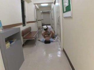 日本語 看護師 assults 患者