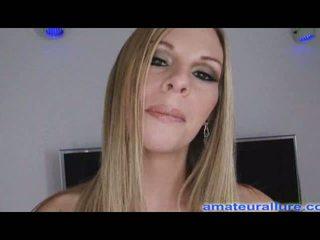 Aimee addison eerste hardcore scène swallows sperma
