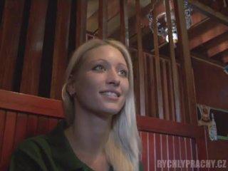 Čeština dívka eva zkurvenej a squirting v a bar