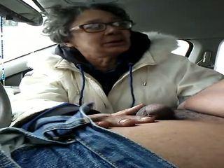 Vecmāmiņa paklīdusi sieviete gumjob rīšana, bezmaksas sperma uz mute hd porno f2