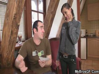 Bf finds jeho dívka cthat guyating