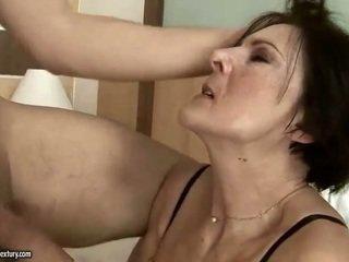Excitat vechi servitoare getting inpulit greu