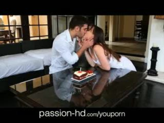 Passion-hd 18yo gets 驚き birthday