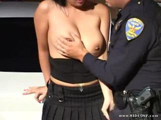 tits, শ্যামাঙ্গিনী, চিন্তা করেনা