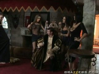 Karalis jordan fucks trīs bitches