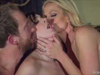 Сексуальна гот ціпонька pleases kelly madison і її hubby