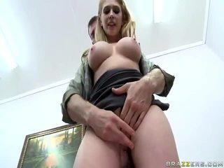 hardcore sex, velké ptáky, velká prsa