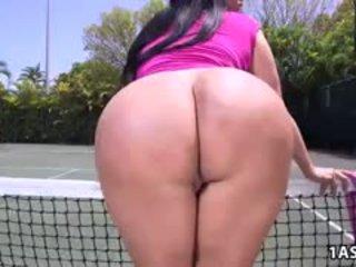 Vet bips kiara mia gets geneukt bij een tennis rechtbank