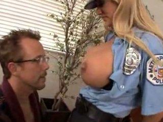A foder que mamalhuda policial shyla stylez