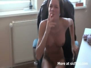 Heet secretaresse fist neuken baan interview