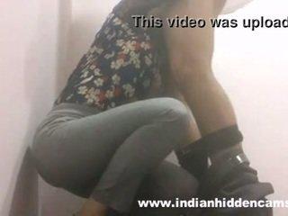 Indian gagica muie în restaurant toaleta mms indian-sex