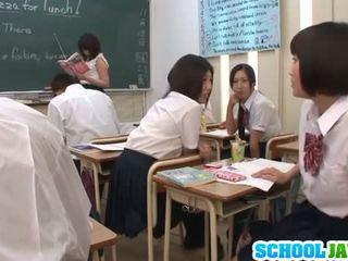 Seksi prikaži v the učilnica