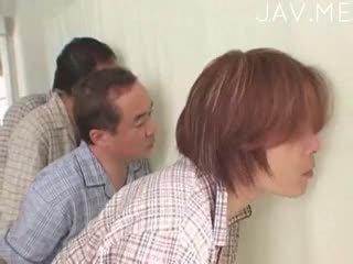 יפני, מציצה, פטיש ברגל
