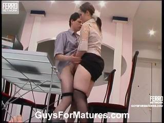性交性爱, 成熟, 岁的年轻性