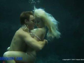 Whitney taylor - podwodne seks