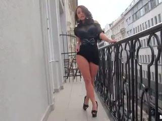 Francūzieši brunete beauty ar liels bumbulīši liza del sierra vienmēr uzbudinātas par anāls sekss video
