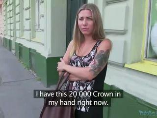 Sexy cheryl gains efectivo y gets follada