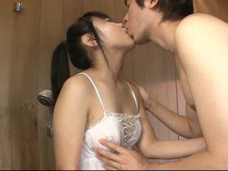 Warga jepun babe uses beliau lidah