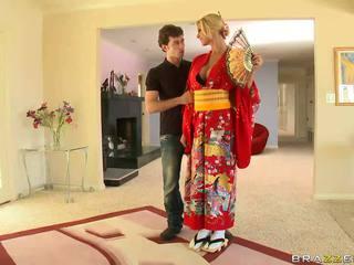 บลอนด์ geisha breaking ด้วย customs