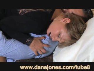 Danejones nóng sexy mẹ làm cho anh ta cum cứng