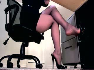 Sexy panty benen en peeptoe mule dangle