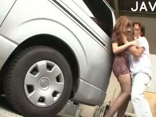 Mosaic: remaja menghisap dalam an auto perkhidmatan