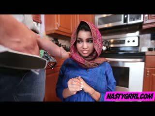 Hijab wearing muslim teismeline ada creampied poolt tema uus kapten