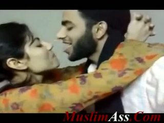 Pakistani paghahalikan clip