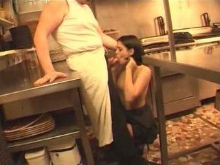 De serveerster