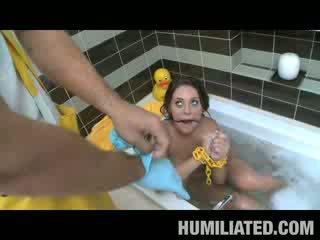 Gracie Glam Disgraced in Bathtub!