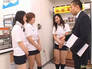 Japonesa av modelo en un piss vídeo