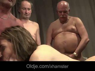 I vjetër i ri seks simultan
