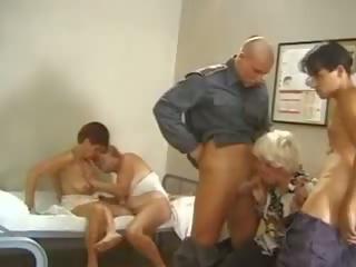 Duits grannies: groot natuurlijk tieten porno video- d5