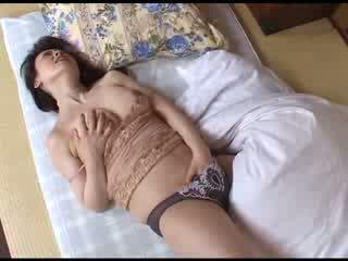 Japonsko mama mastrubacija po gledanje porno video