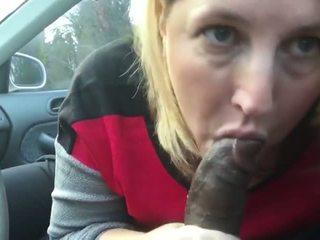 Milf cocksucker: nemokamai čiulpimas porno video ed