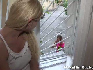 Maken hem hoorndrager: jenny dumb cheater bestraft in een kinky manier