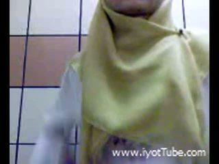 Muslim dospívající prstoklad kočička na sprchový pokoj