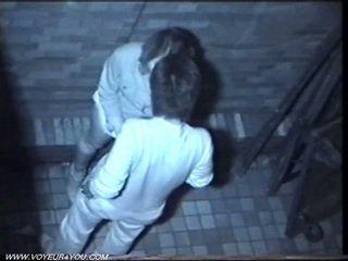Two kåt couples fanget på spycam.