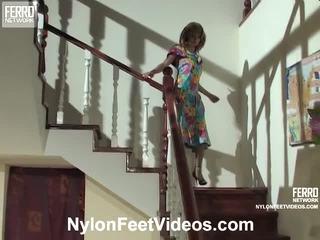 Alice ja mike mindblowing sukkpüksid jalad tegevus
