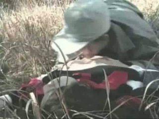 Innocent meisje gets geneukt openlucht video-